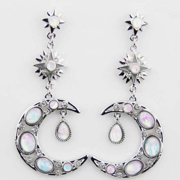 Freely Bloom Jewelry - Moon & Stars Earrings